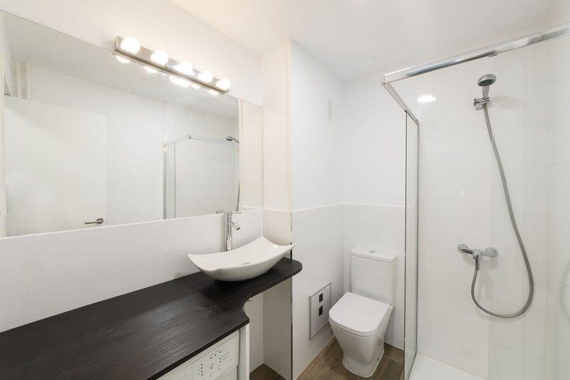 Baño apartamento Malasaña Madrid